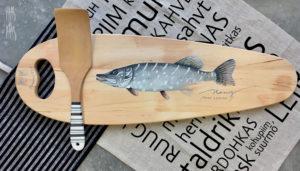Vaas&Vaas_puidust kodusisustus _lõikelaud_choppingboard_käsitsi_maalitud_köögitarvikud_köök_kalaliud