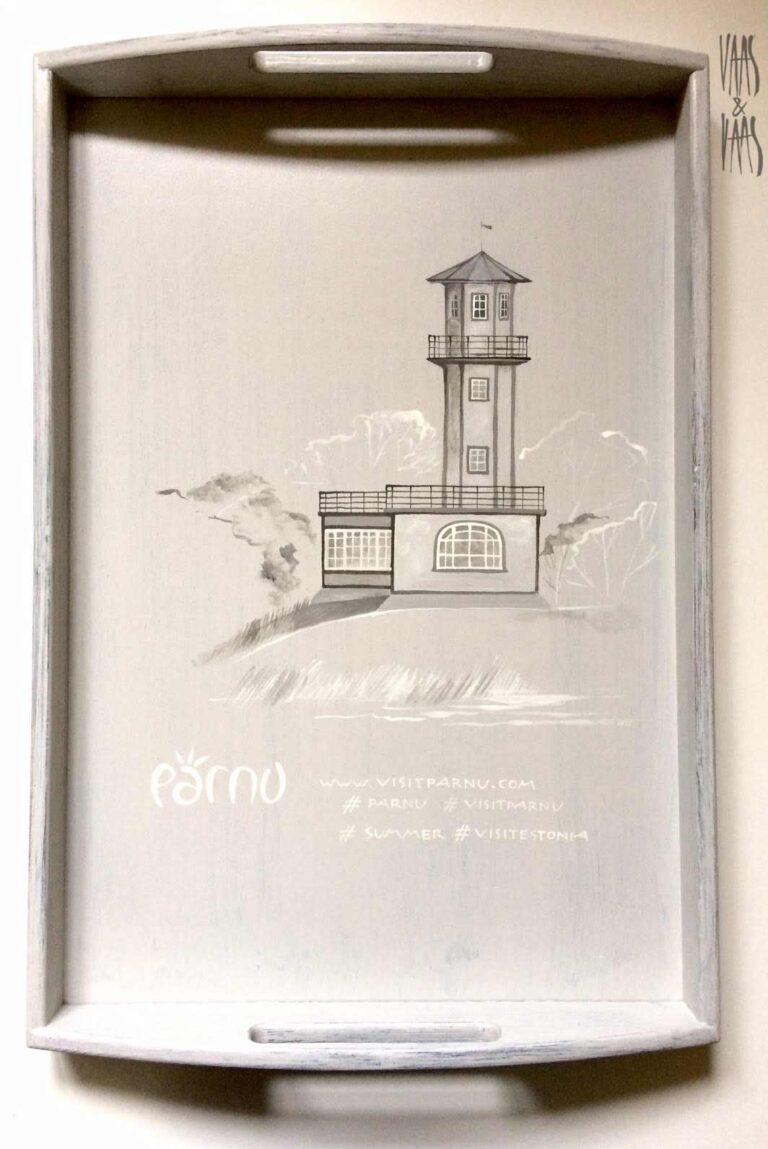 Lootsi torni motiiviga käsitsi maalitud puidust kandik