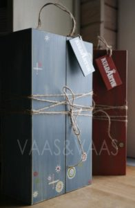 Vaas&Vaas_puidust kodusisustus _veinikarp_winebox_kingitus_käsitsi_maalitud