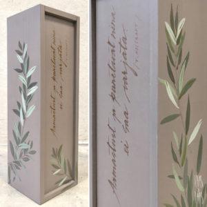 Vaas&Vaas-puidust kodusisustus-veinikarp-winebox-kingitus-käsitsi maalitud