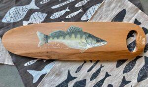 käsitsi maalitud puidust kalaliud
